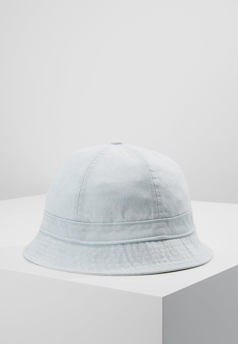 Levi's® - WASHED BUCKET HAT - Hat - light blue