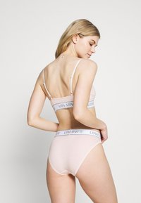 Levi's® - MID RISE HIGH CUT BRIEF - Slip - peach blush - 2