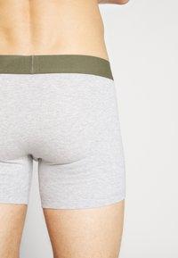 Levi's® - MEN CAMOUFLAGE BOXER BRIEF 2 PACK - Onderbroeken - khaki - 2
