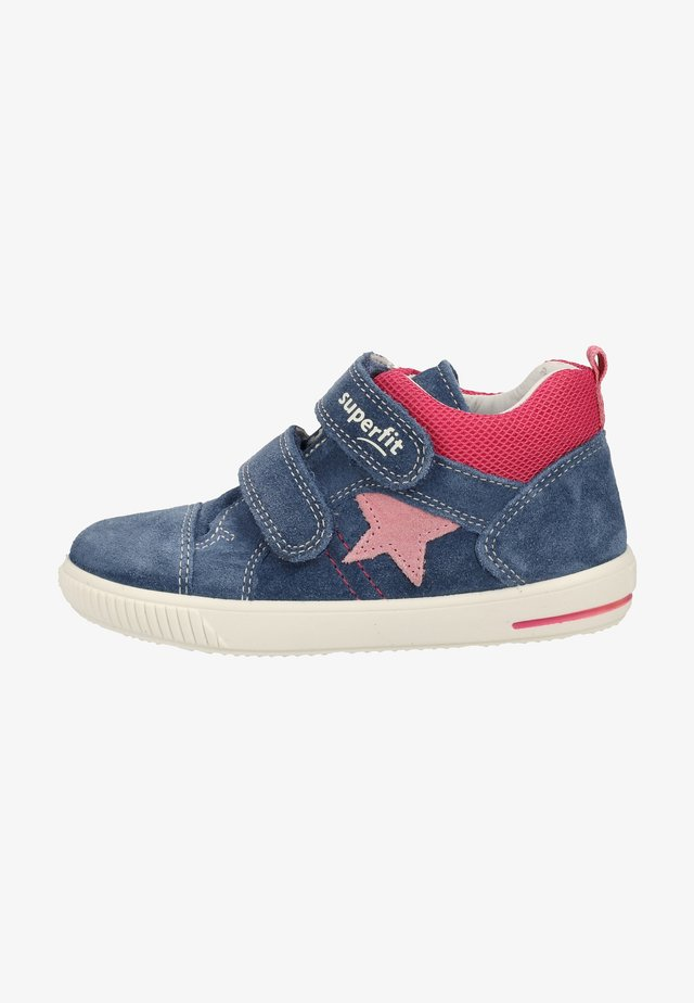 Touch-strap shoes - blue/pink