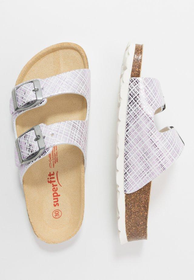FUSSBETTPANTOFFEL - Pantofole - weiß