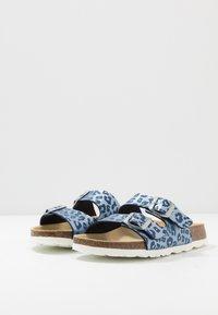 Superfit - FUSSBETTPANTOFFEL - Domácí obuv - blau - 3