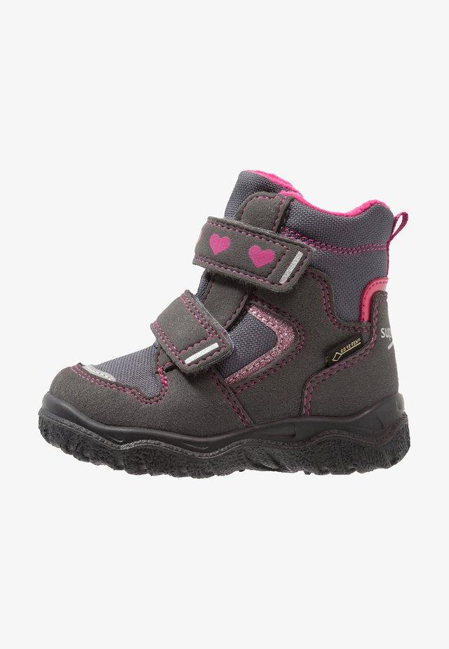 HUSKY - Winter boots - grau/rosa