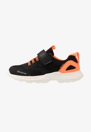 RUSH - Trainers - schwarz/orange