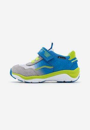 SPORT 5 - Trainers - blau/grün