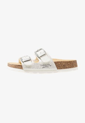 FUSSBETTPANTOFFEL - Slippers - weiss