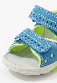Superfit - FLOW - Sandały - blau - 5