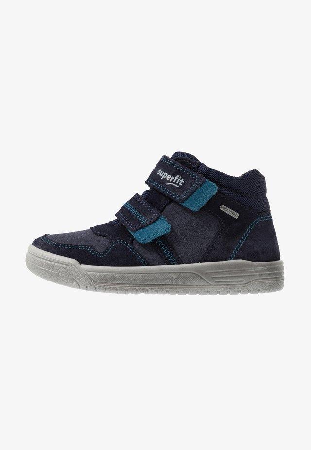 EARTH - High-top trainers - blau