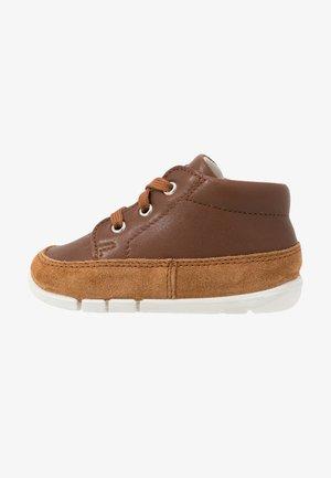 FLEXY - Dětské boty - cognac