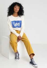 Lee - WIDE LEG - Trousers - harvest gold - 1
