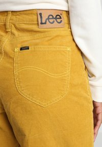 Lee - WIDE LEG - Trousers - harvest gold - 5