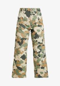 Lee - WIDE LEG - Flared jeans - green/beige - 4