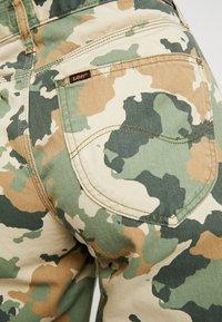 Lee - WIDE LEG - Flared jeans - green/beige - 5