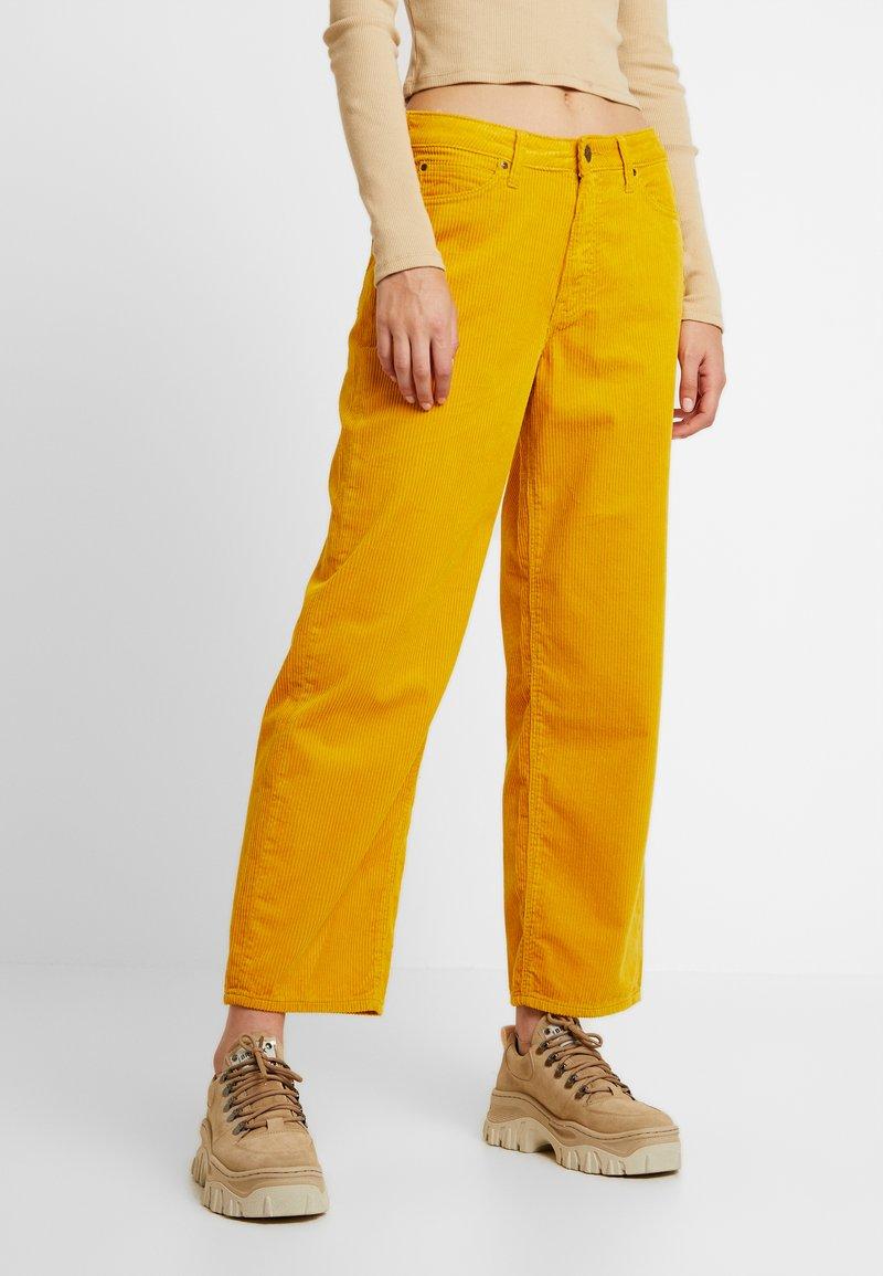 Lee - 5 POCKET WIDE LEG - Spodnie materiałowe - florida