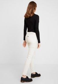 Lee - SCARLETT - Trousers - off white - 3