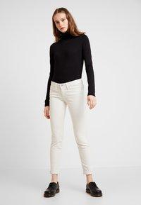 Lee - SCARLETT - Trousers - off white - 2