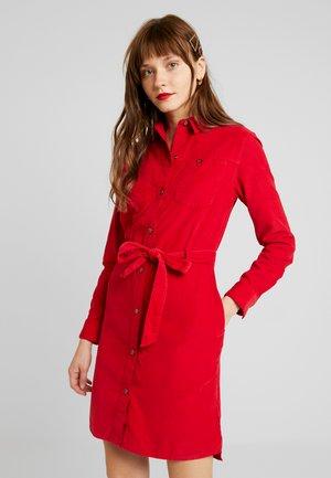 DRESS - Skjortekjole - warp red