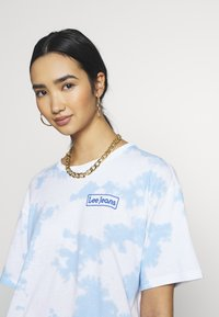 Lee - TIE DYE GRAPHIC TEE - T-shirt con stampa - sky blue - 3