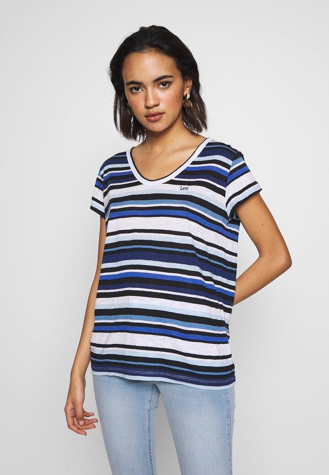 SCOOP NECK TEE - T-shirt z nadrukiem - summer blue