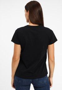 Lee - SEASONAL  - T-shirt z nadrukiem - black - 2