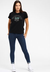 Lee - SEASONAL  - T-shirt z nadrukiem - black - 1