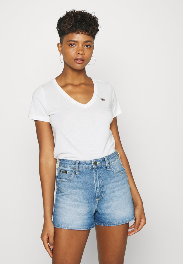 PRIDE V NECK TEE - T-shirt z nadrukiem - white
