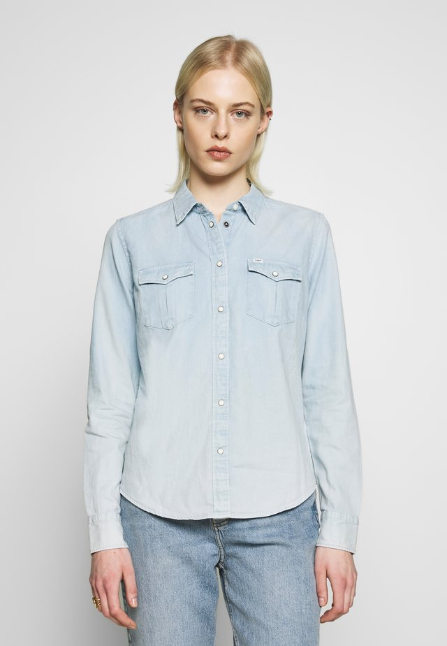 REGULAR WESTERN SHIRT - Button-down blouse - summer blue