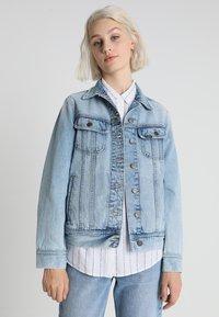 Lee - RIDER JACKET - Džínová bunda - light blue denim - 0