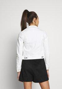 Lee - SLIM RIDER - Spijkerjas - white denim - 2