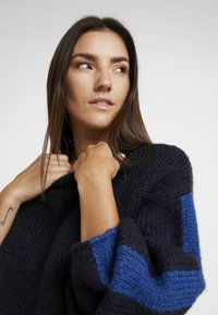 Lee - CHUNKY - Sweter - midnight navy - 5