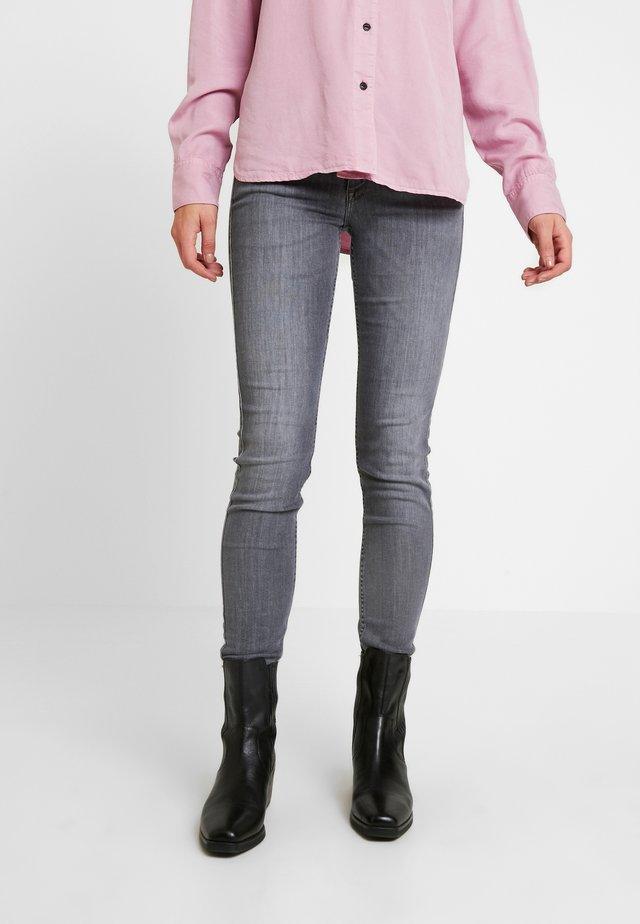 SCARLETT - Jeansy Skinny Fit - grey denim