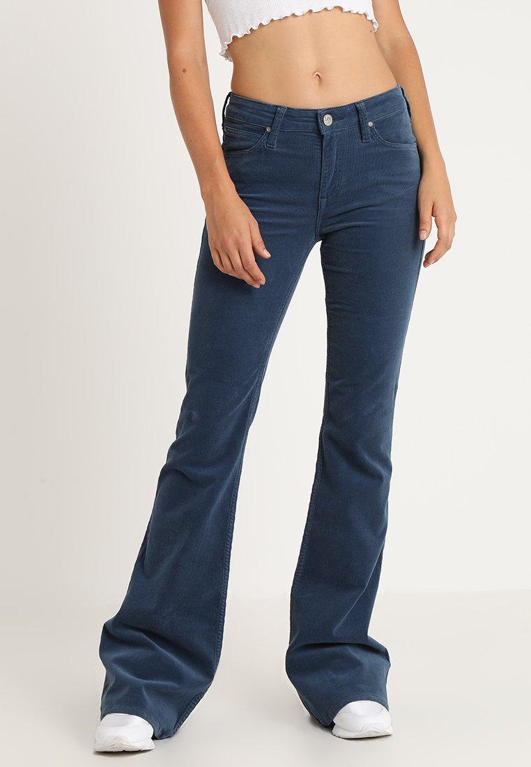 Lee - CHAFFEE - Flared Jeans - dusk blue