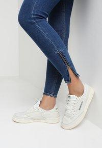 Lee - SCARLETT CROPPED - Jeans Skinny Fit - dark blue denim - 4