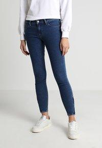 Lee - SCARLETT CROPPED - Jeans Skinny Fit - dark blue denim - 0