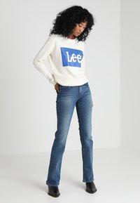 Lee - HOXIE - Jeans bootcut - light blue denim - 1