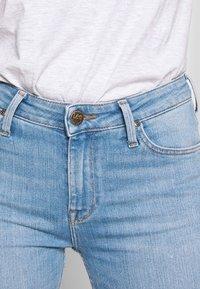 Lee - SCARLETT HIGH ZIP - Jeansy Skinny Fit - broken blue - 4
