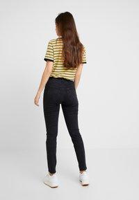 Lee - SCARLETT HIGH SIDEPANEL - Jeans Skinny Fit - black denim - 2