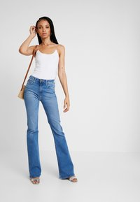 Lee - BREESE - Flared Jeans - jaded - 1
