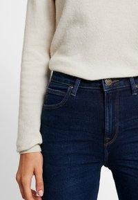 Lee - BREESE - Flared jeans - dark wardell - 3