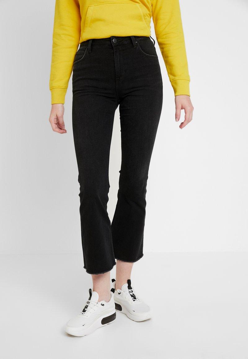 Lee - KICKED FLARE - Flared Jeans - raw destin