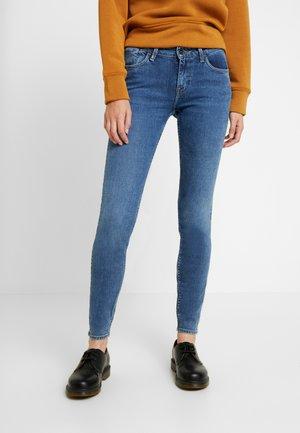 SCARLETT SUSTAINABLE - Jeans Skinny Fit - fair mid