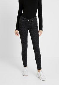 Lee - SCARLETT BODY OPTIX - Jeans Skinny Fit - faded black - 0