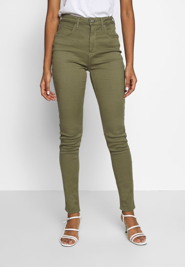 SCARLETT SUPER HIGH BODY - Skinny-Farkut - lichen green
