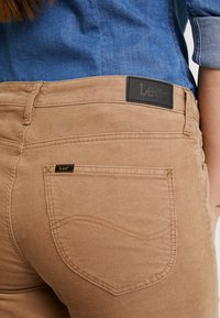 Lee - ELLY - Pantalon classique - lead grey - 5