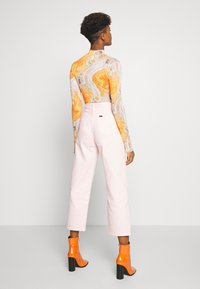 Lee - WIDE LEG - Relaxed fit jeans - crystal pink - 2