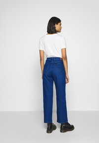Lee - WIDE LEG - Relaxed fit jeans - dark worn - 2