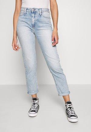 MOM  - Straight leg jeans - get light
