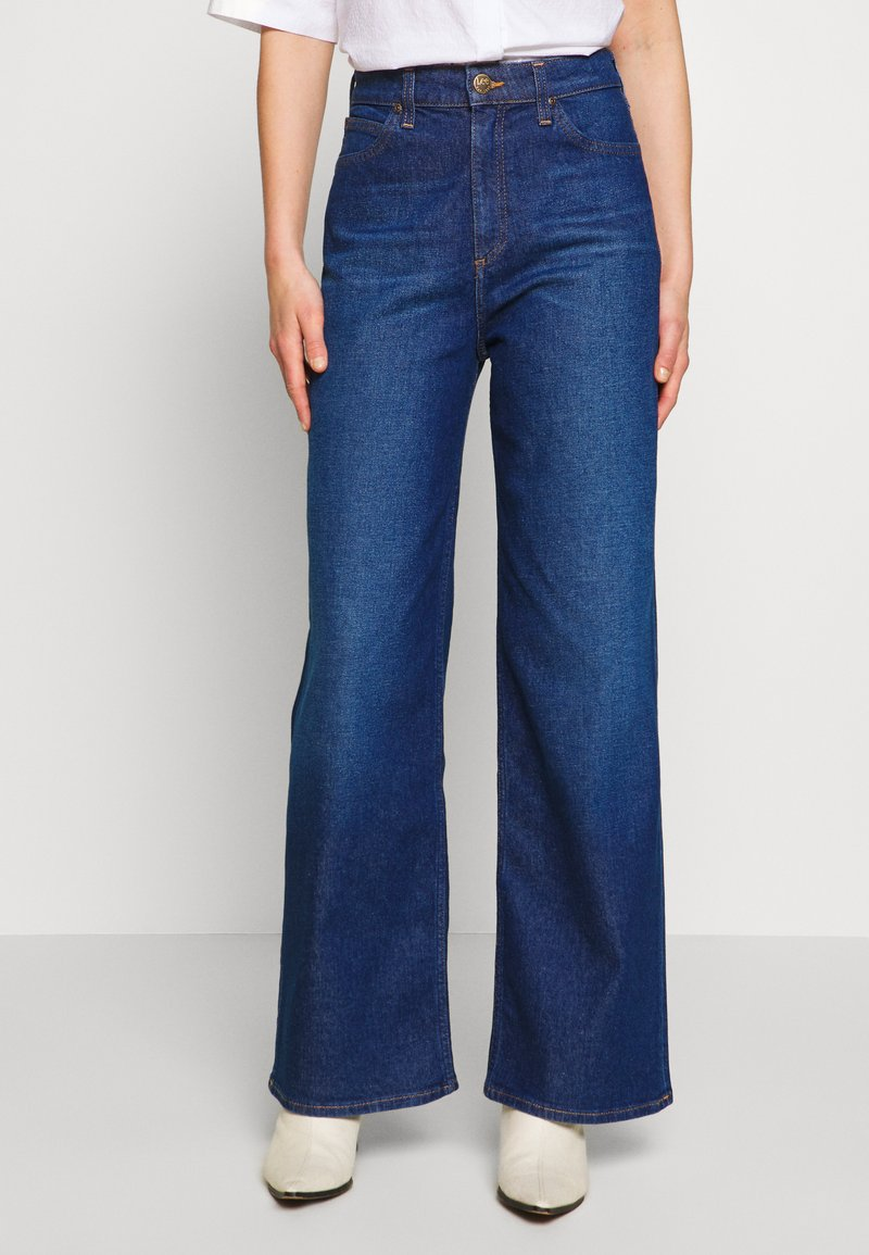 Lee - A LINE - Flared Jeans - dark garner