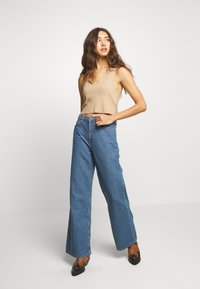 Lee - A LINE - Flared Jeans - clean rosewood - 1