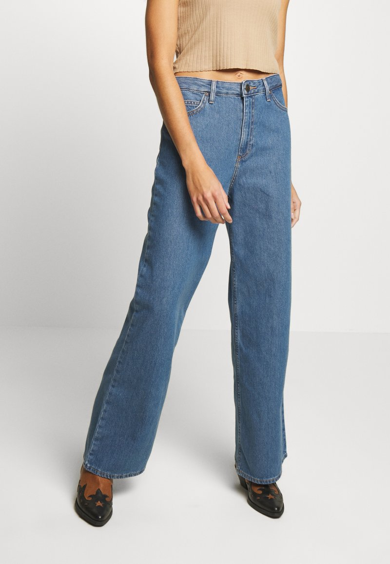 Lee - A LINE - Flared Jeans - clean rosewood